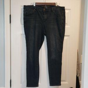 3/$20 Melissa McCarthy Jeans dark wash